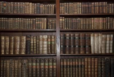 b2ap3_thumbnail_bigstock-Old-Books-In-Old-Library-18045971.jpg