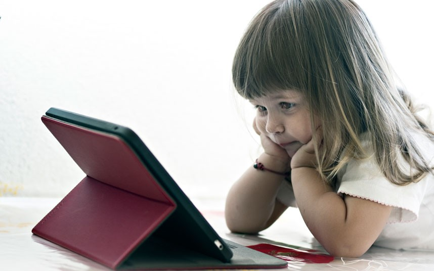 child and computer