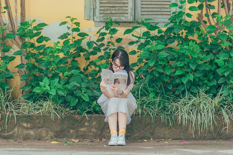 child-daytime-garden-1196338.jpg